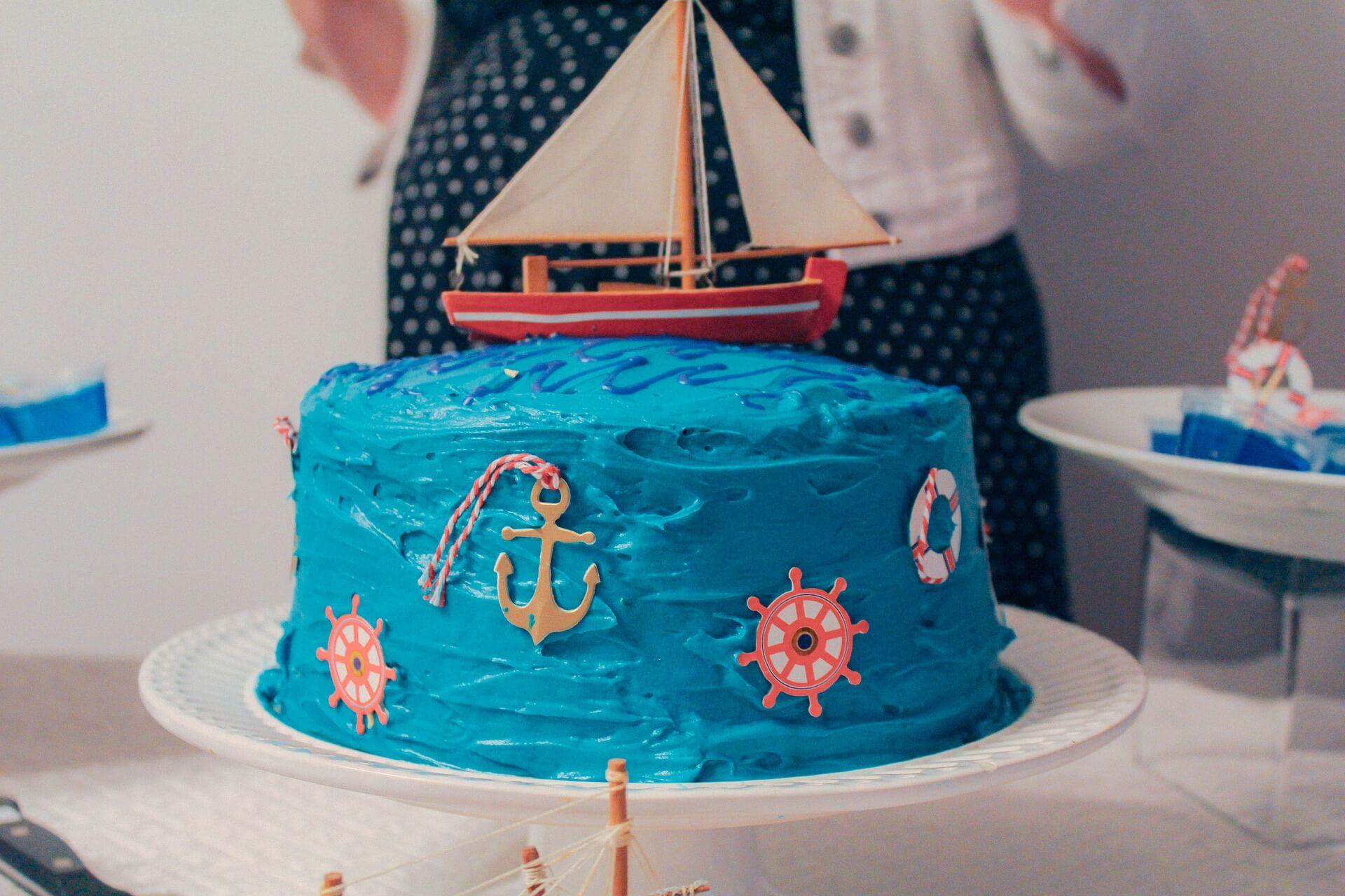 Cake pour la deco d'un baby shower garçon marin